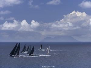 Les Voiles de St Barth. Au loin : l'ile de Saba. ©Stéphane Scotto